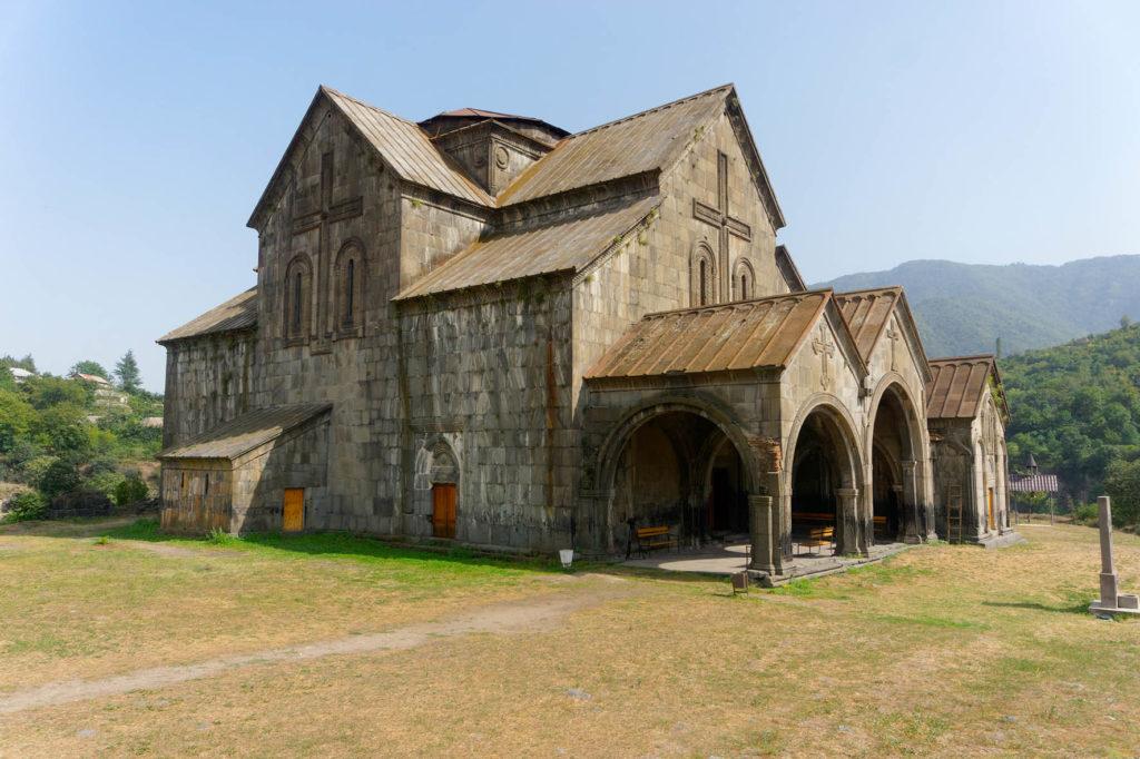 Monastère-citadelle d'Akhtala © Office de Tourisme des Terres de Haute Provence