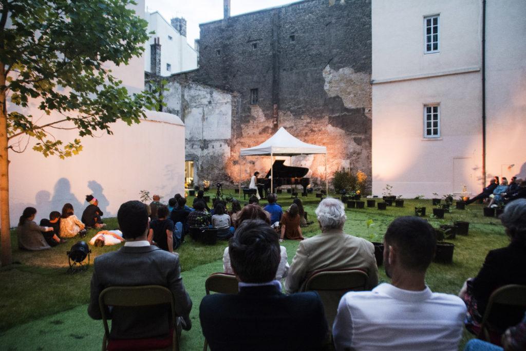 Concert pour une nouvelle forêt, interprété par Neus Estarellas, 2019. © Fondation Bullukian - PR