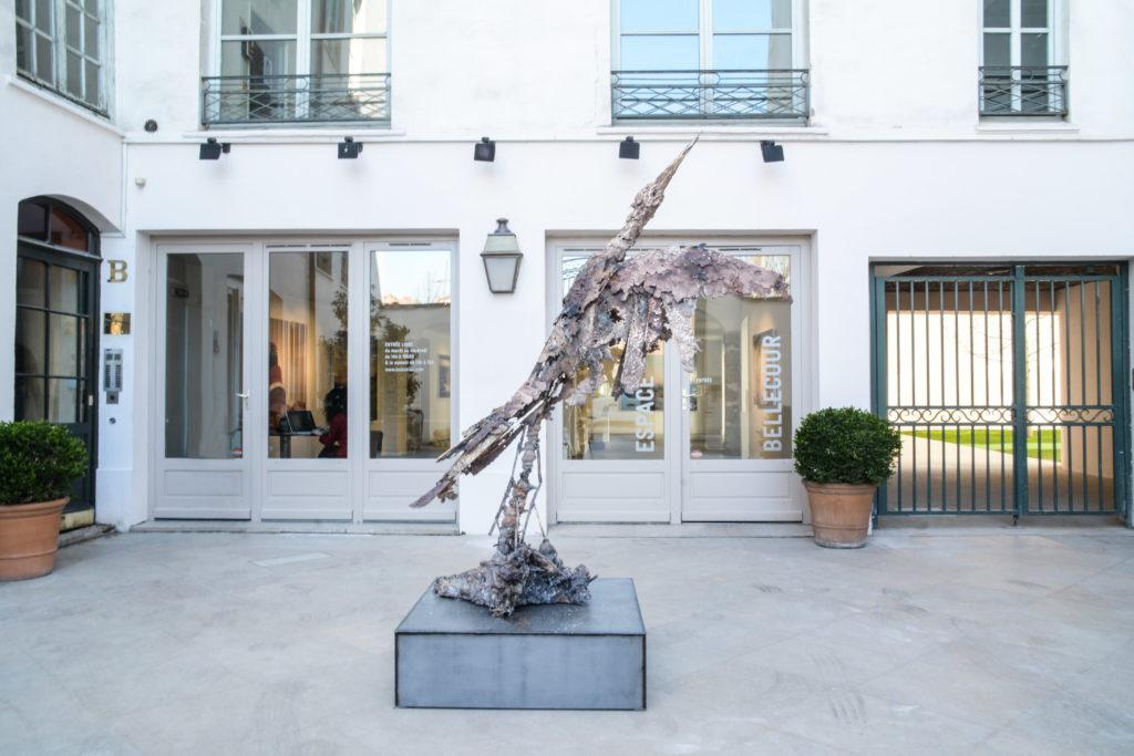 Lionel Sabatté, Grue en bronze, Qui sait combien de fleurs ont du tomber © Fondation Bullukian, 2019