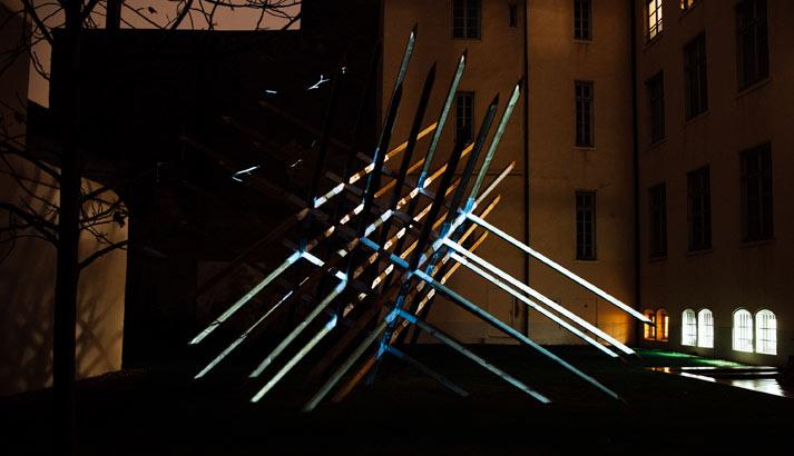 Confluence Institute, The Spark, Fête des Lumières Lyon 2017 dans le jardin de la Fondation Bullukian sur la sculpture de l'artistes Vincent Mauger