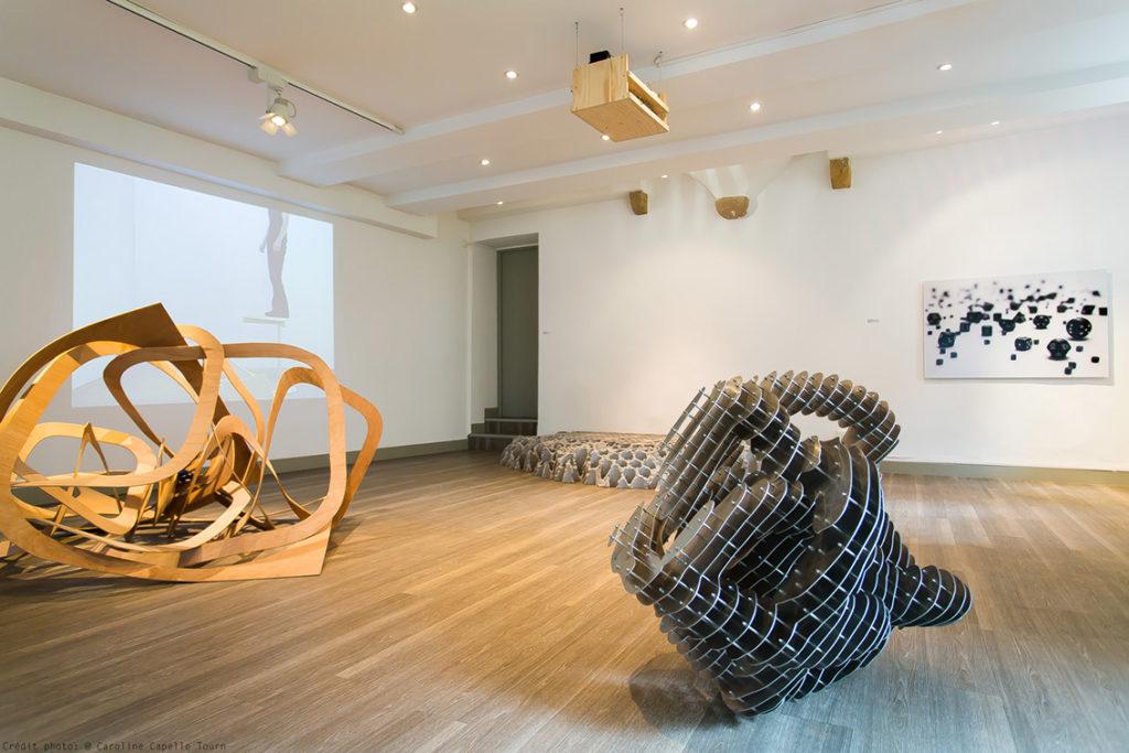 Vue de l'exposition Les formes de la sculpture, 2015 ©C. Capelle-Tourn