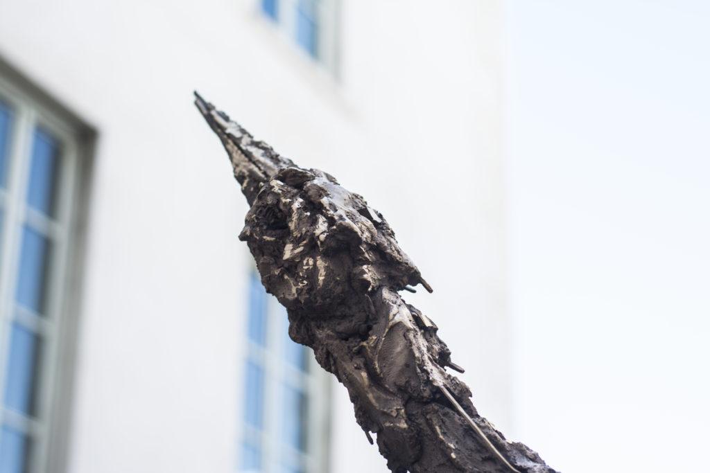 Lionel Sabatté, Grue, sculpture en bronze (détails), 2019 © Fondation Bullukian