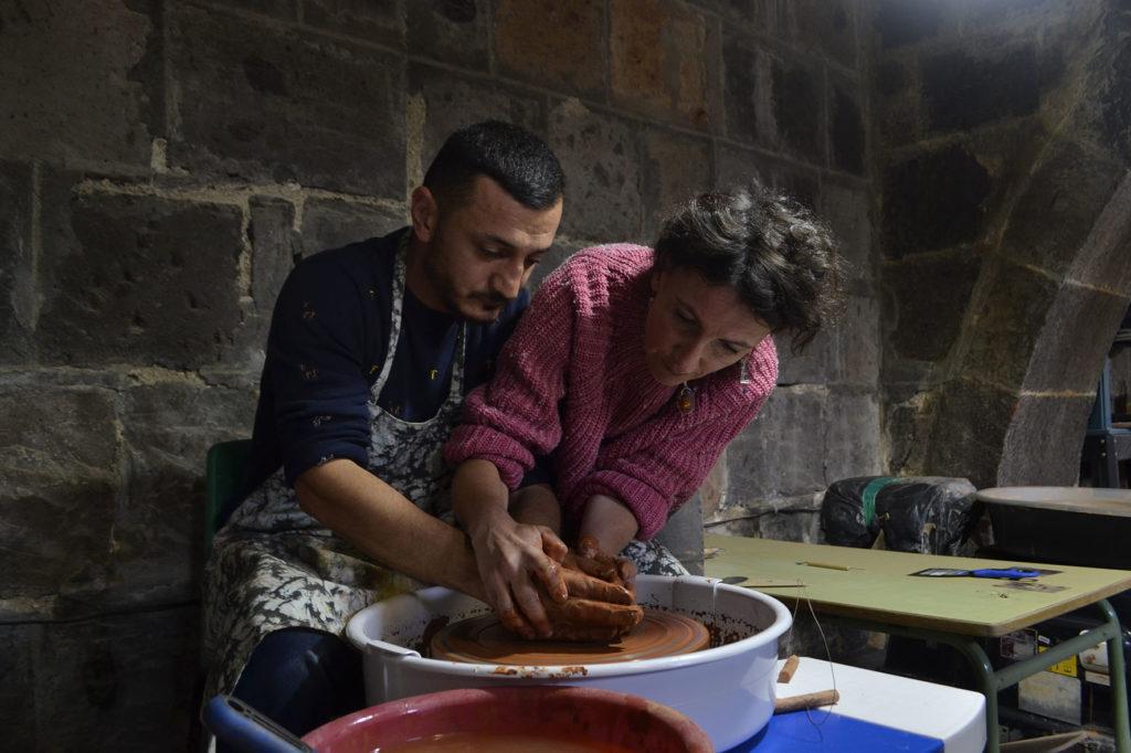 Mission de professionnalisation à l'atelier de céramiques à Gumri, 2019 © Association Muscari