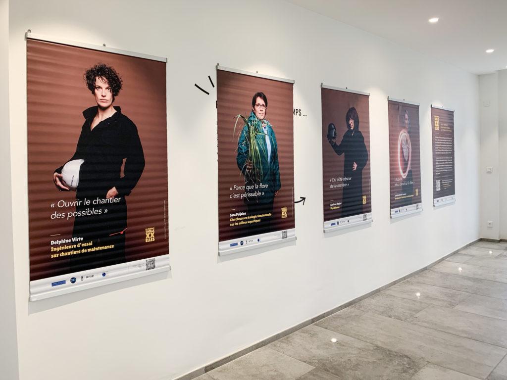 """Vue de l'exposition """"La Science taille XX Elles"""" © Fondation Bullukian"""