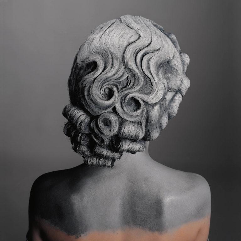 """Natacha Lesueur, Série """"Les Cheveux gris n'existent pas"""", 2015, photographie analogique, 65 x 65 cm © Natacha Lesueur, Galerie 8+4, Paris, ADAGP"""
