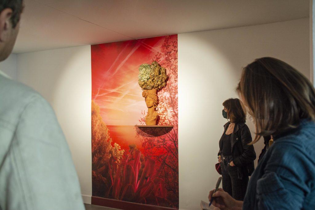 Vue de la visite presse de l'exposition Par-delà le vernis, 2021 ©Fondation Bullukian 17