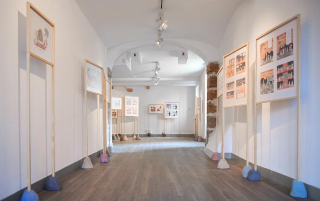 Vue de l'exposition La tendresse des pierres, 2014 ©C.Capelle Tourn