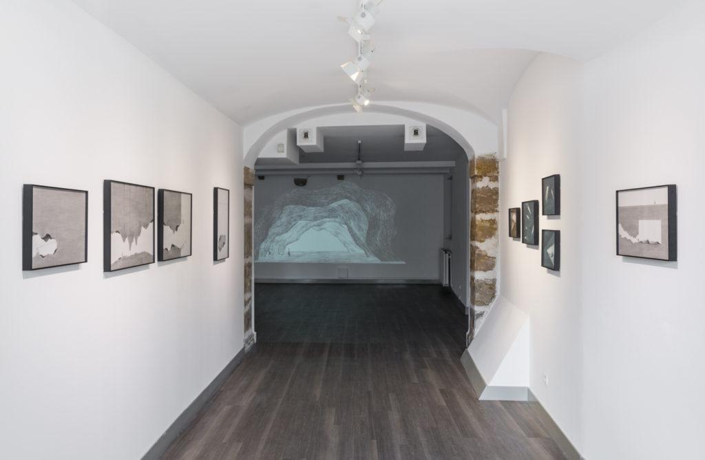 Vue de l'exposition, Cave Studies, 2016 ©DR