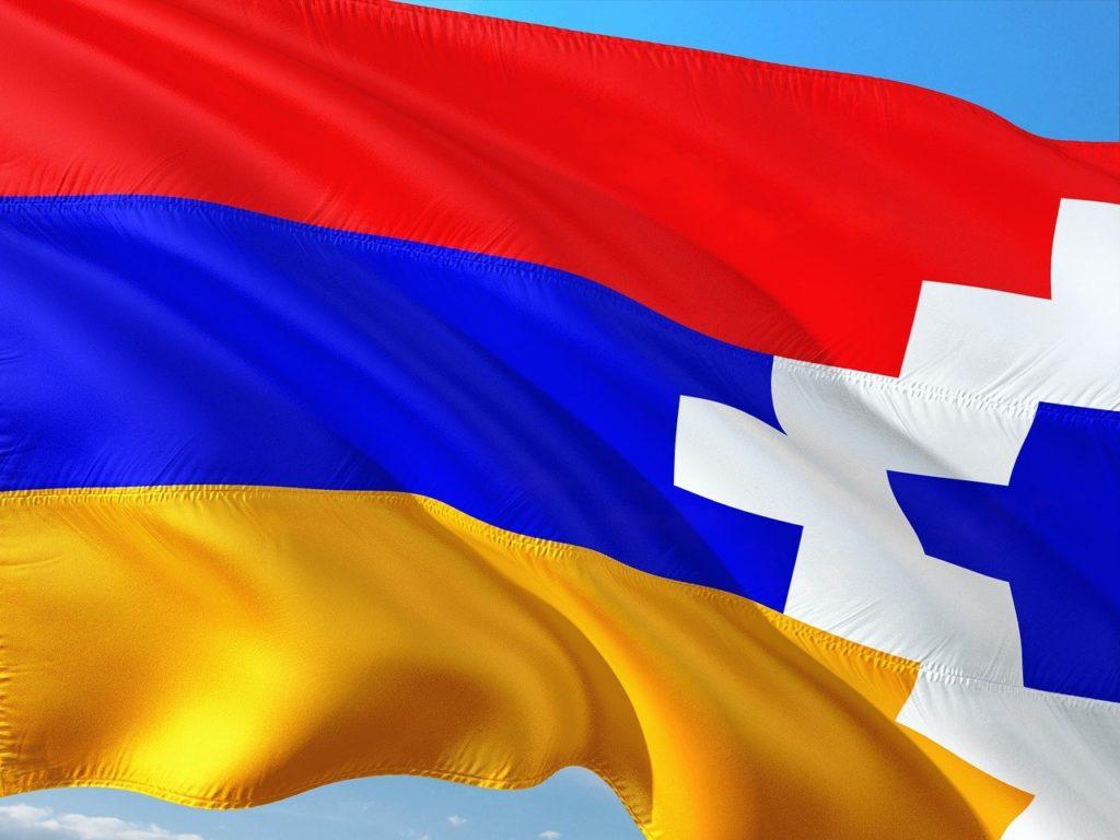 Drapeau du Haut-Karabagh © Image par jorono de Pixabay